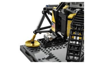 Lego 10283 Nasa House Shuttle Discovery With Hubble Is Revealed As 2,300